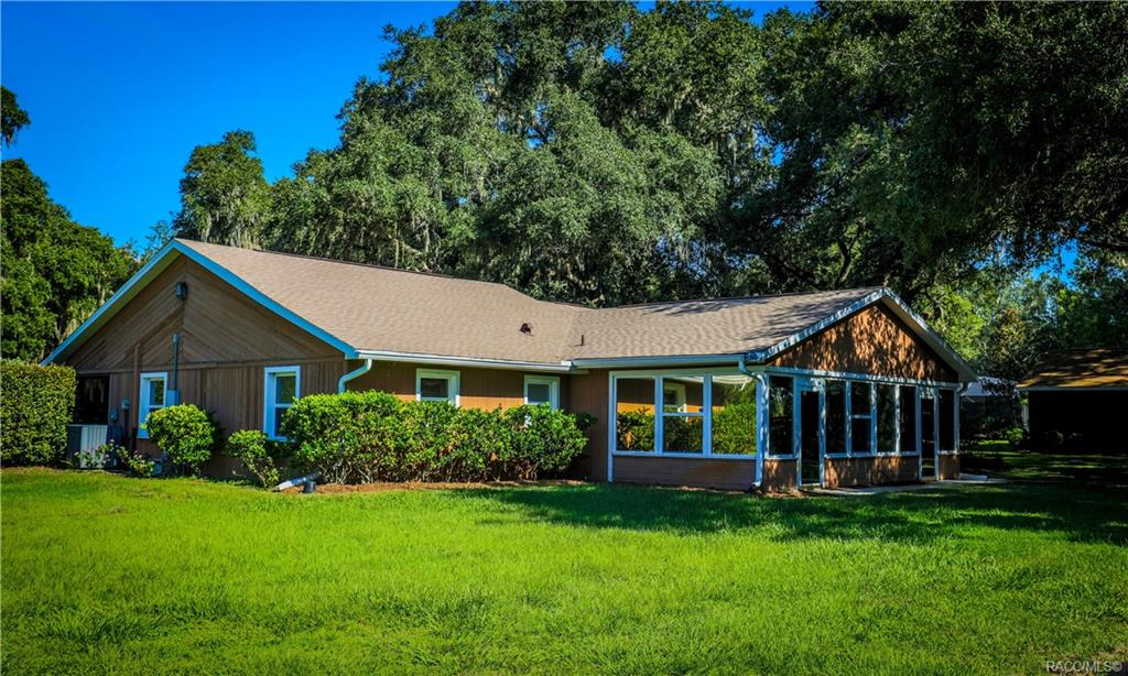 home for sale at 10218 E Trails End Road, Floral City, FL 34436 in Farms