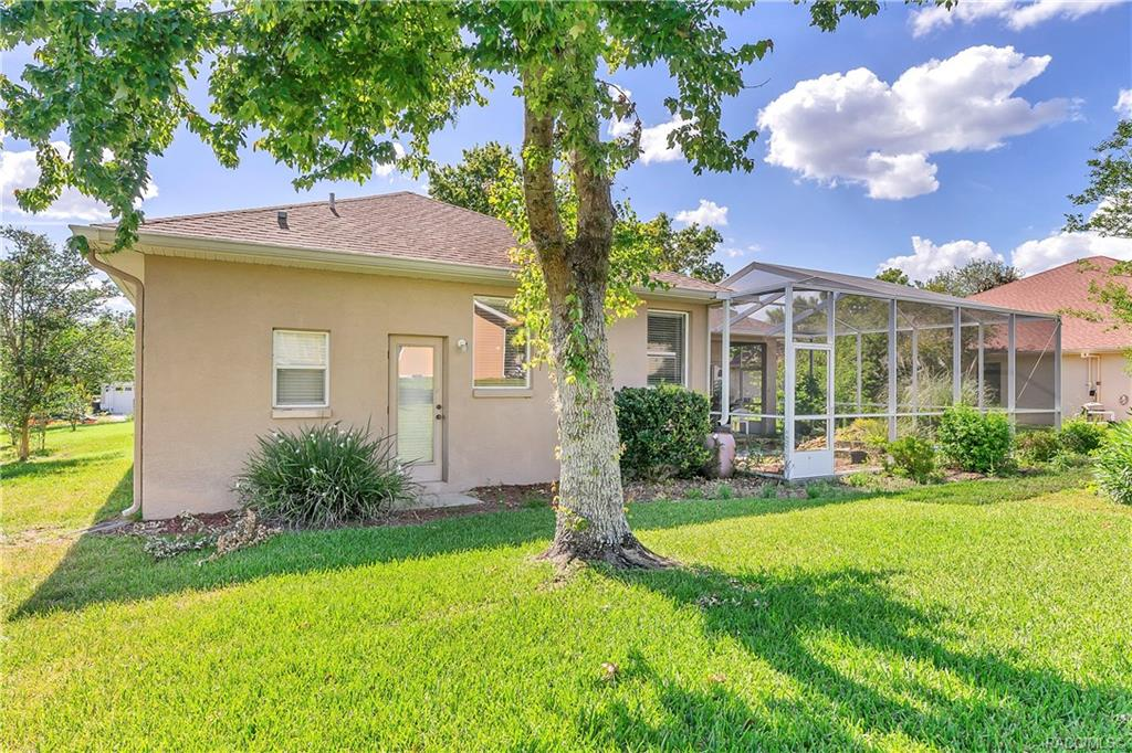 home for sale at 5668 W Hunters Ridge Circle, Lecanto, FL 34461 in Crystal Oaks