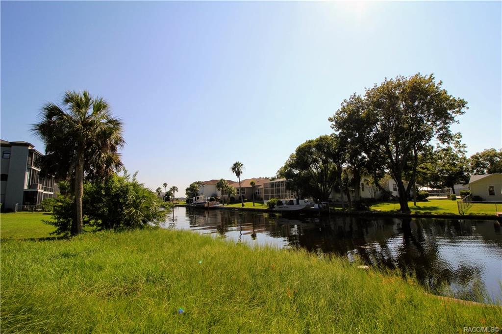home for sale at 5120 S Mystic Point, Homosassa, FL 34448 in Riverhaven Village