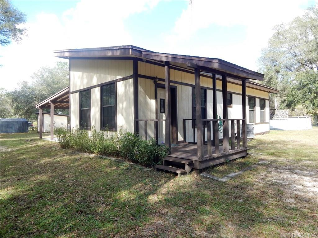 home for sale at 7651 SE 118th Avenue, Morriston, FL 32668 in Levy County