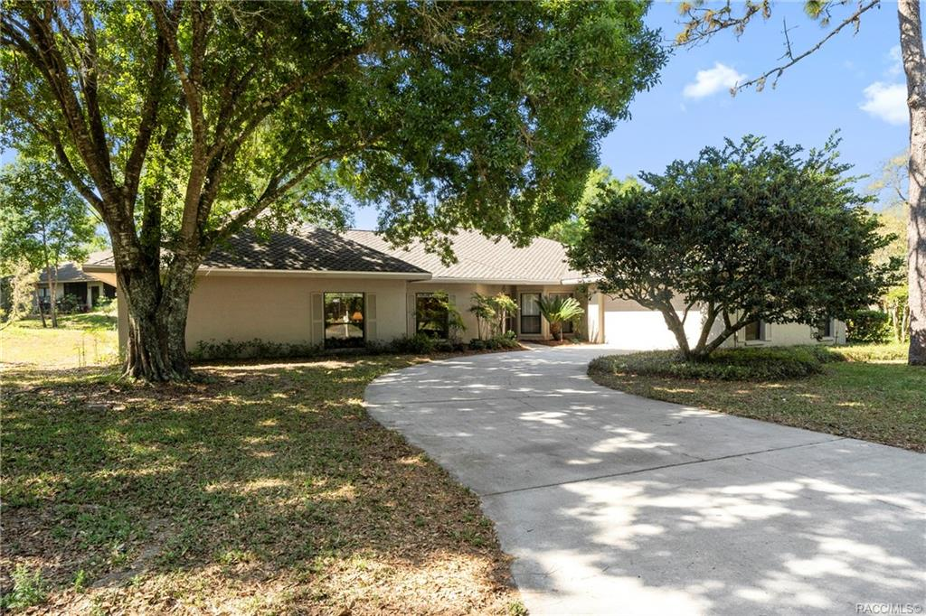 home for sale at 3088 W Bermuda Dunes Drive, Lecanto, FL 34461 in Black Diamond Ranch