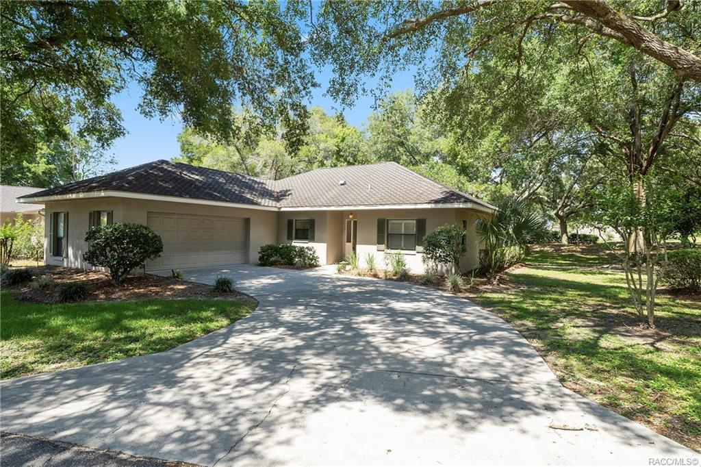 home for sale at 3069 W Bermuda Dunes Drive, Lecanto, FL 34461 in Black Diamond Ranch