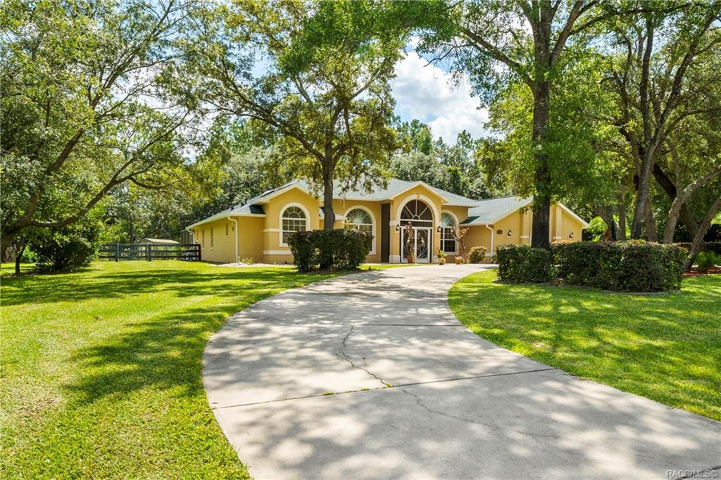 home for sale at 1991 W Tall Oaks Drive, Beverly Hills, FL 34465 in Pine Ridge